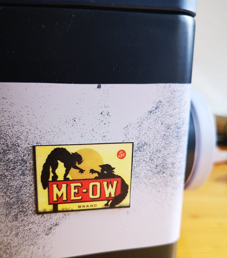 sticker reposicionable MEOW BRAND
